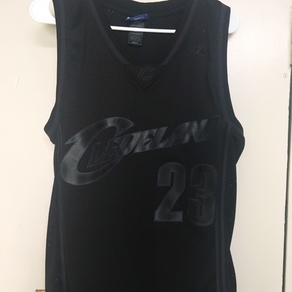 pretty nice acfda d369e Cavs Lebron James jersey